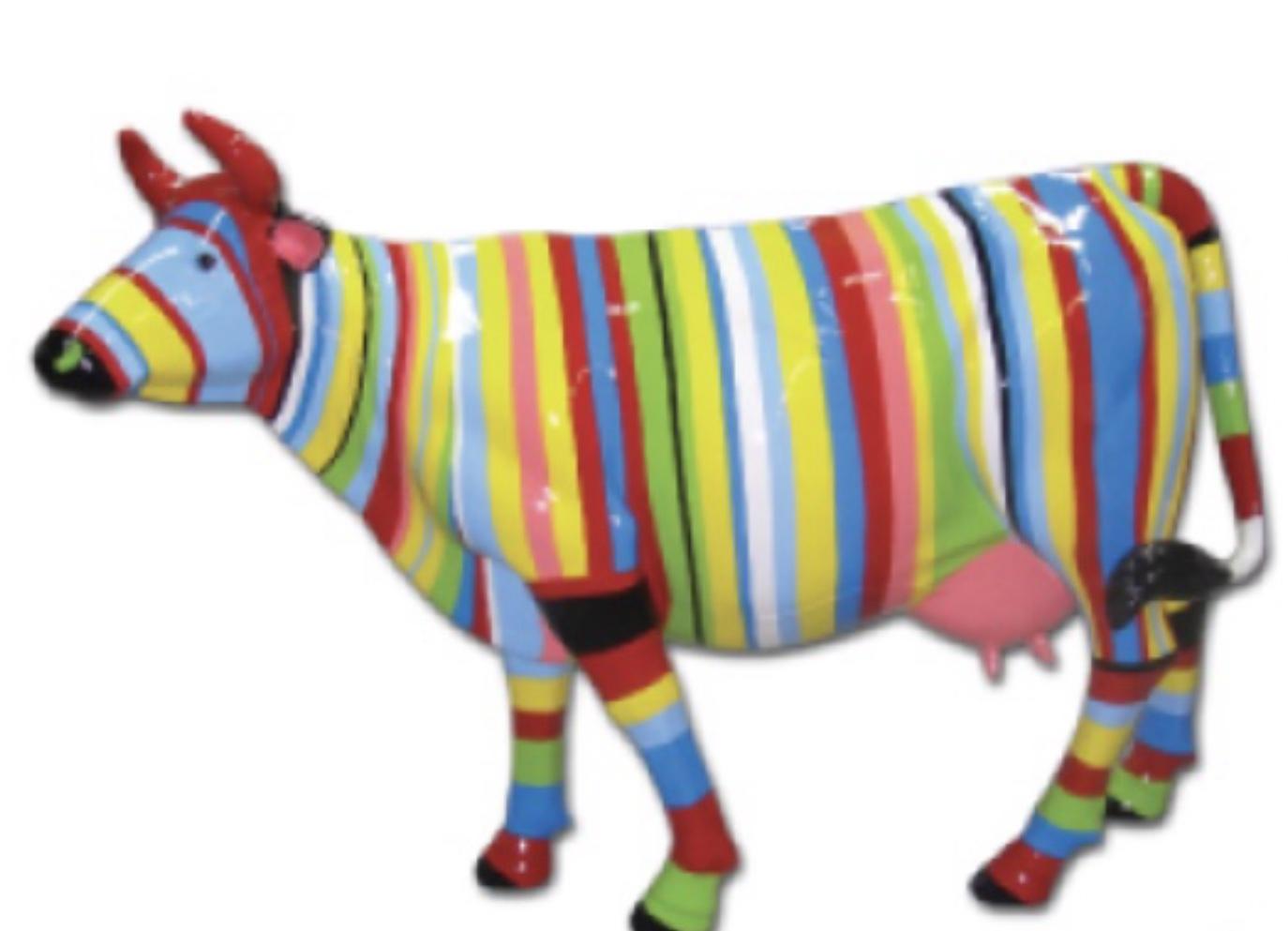 vache en fibre de verre multicolores