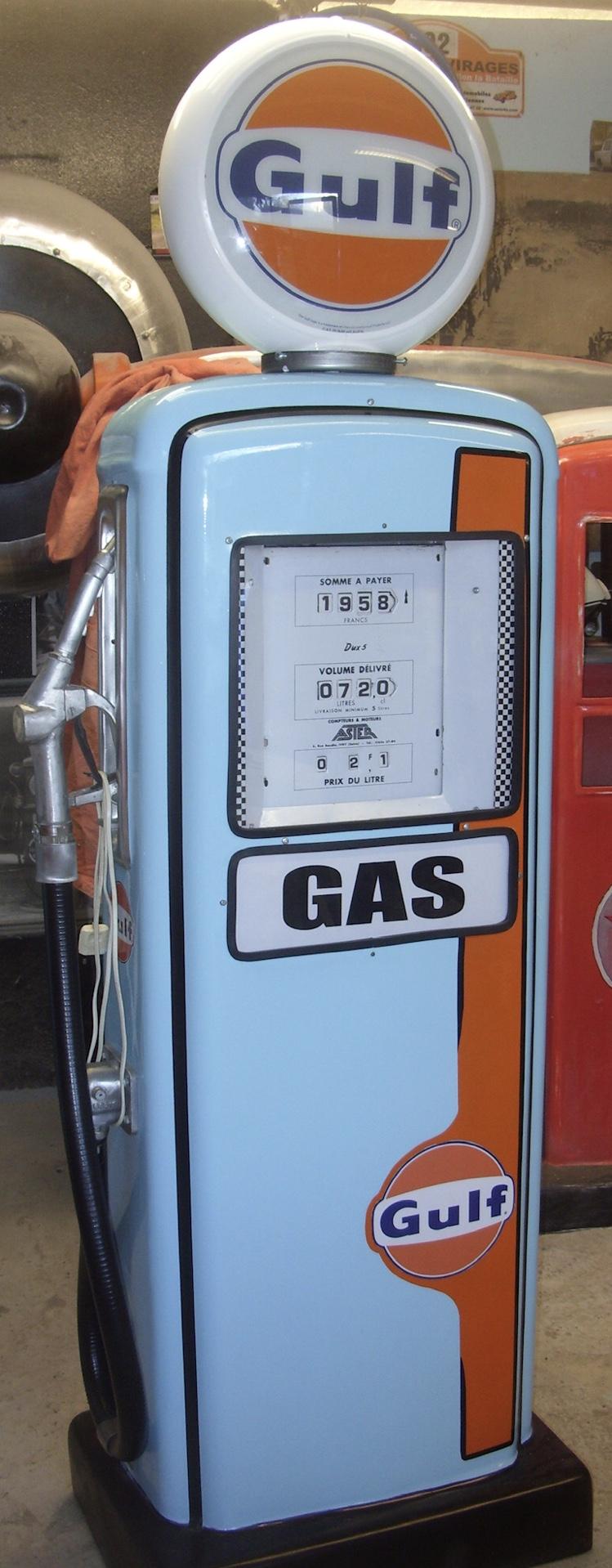 pompe à essence vintage