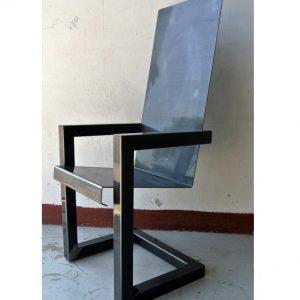 fauteuil acier artiste