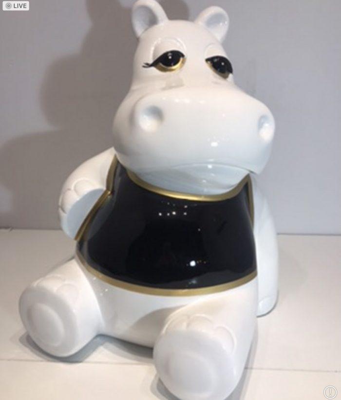hippo assis en résine