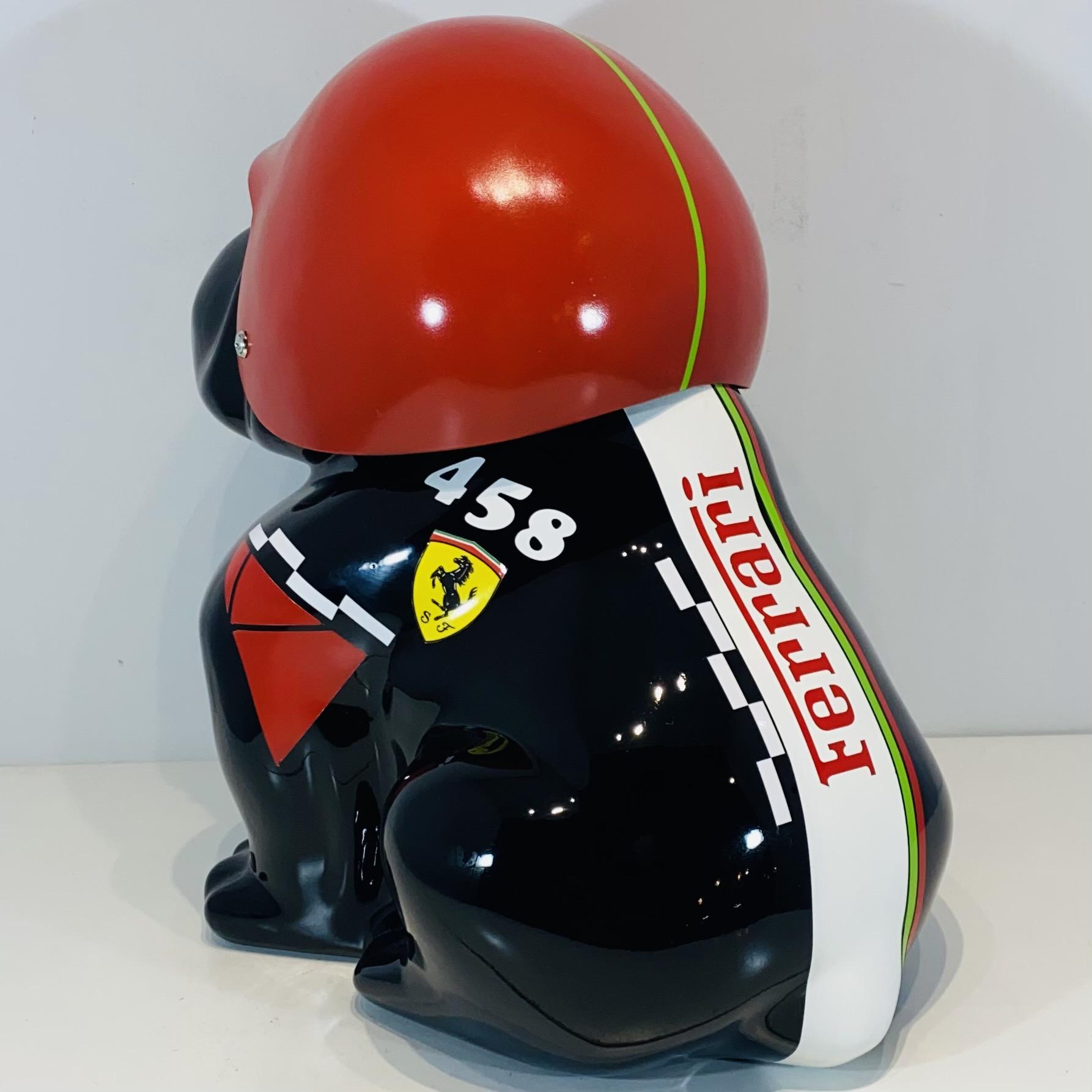 bouledogue assis en résine personnalisé casque