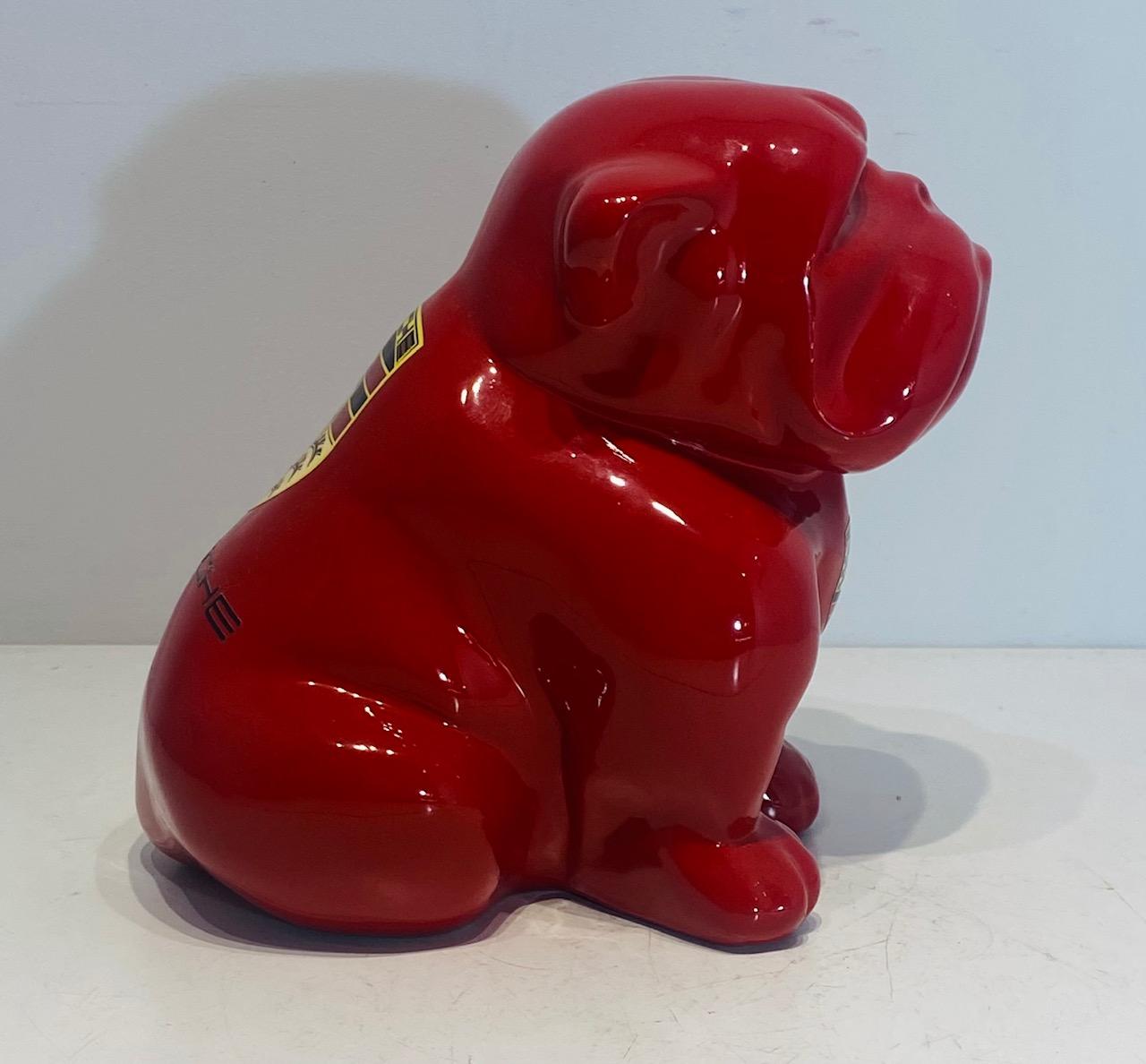 petit-bouledogue-rouge-porsche