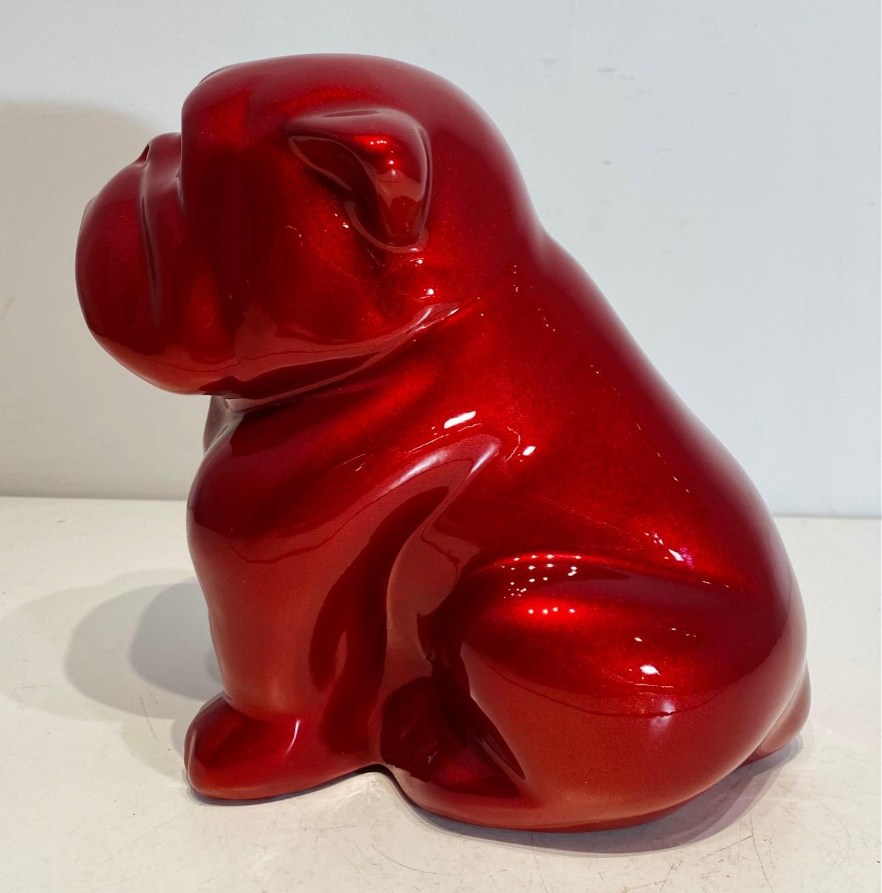 petit-bouledogue-assis-candy-rouge